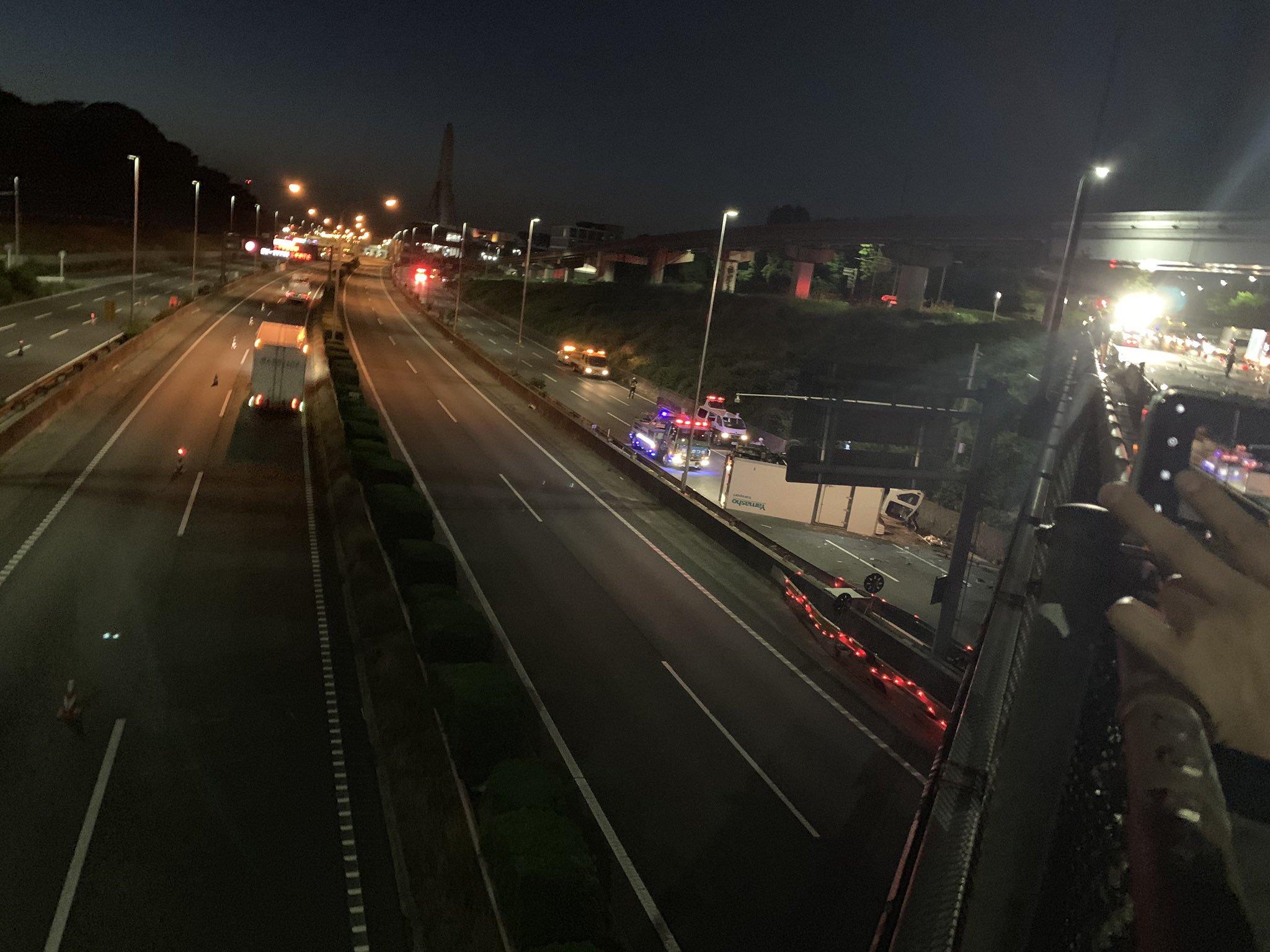 大阪府吹田市のトラック転落事故!事故原因や場所は?運転手の勤務先判明!