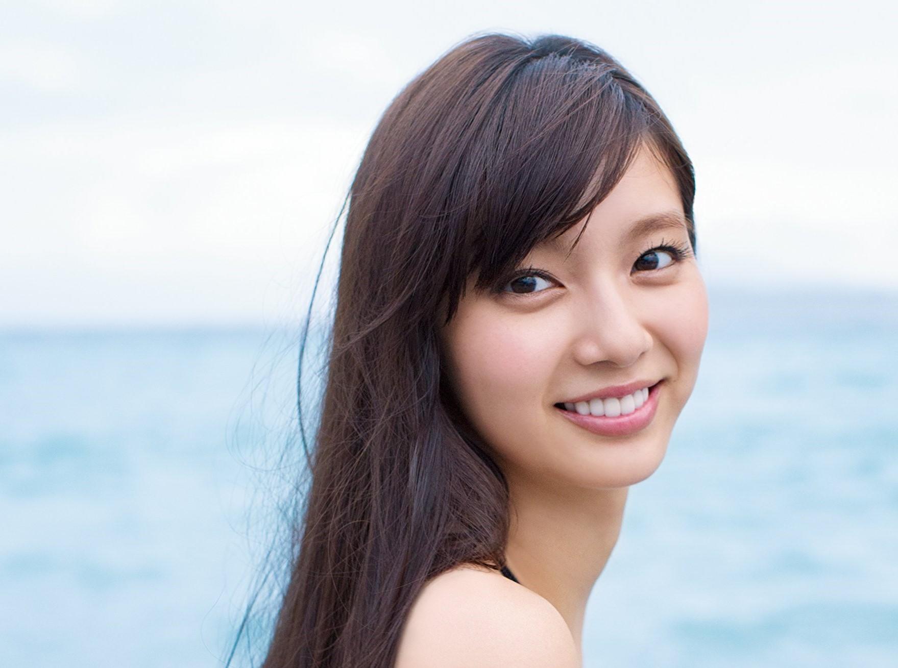 新川優愛の結婚相手のイケメン顔画像とは?旦那の衝撃の年収とは